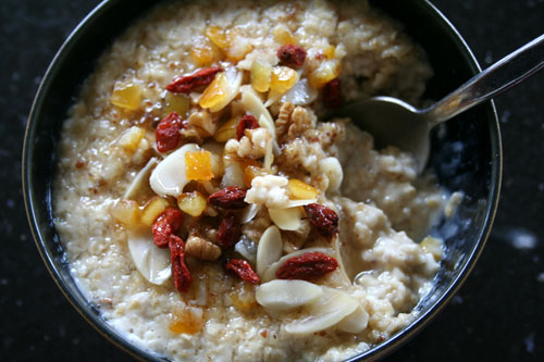 Cinnamon Porridge with Nuts and Dried Fruits 500