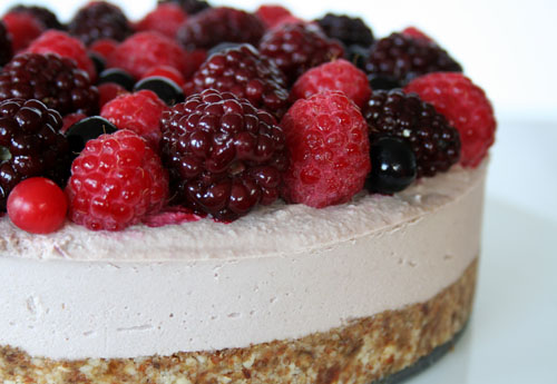 Summer Fruits Cashew Cheese Cake