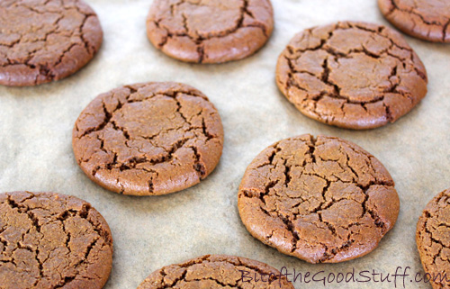 Gingerbread Cookies | Bit of the Good Stuff #vegan