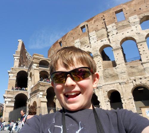 Colosseum Lil L Selfie